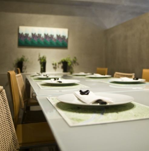 Private private dining room.It is perfect for anniversary use etc. to the whole family.The separated space allows you to spend private time.