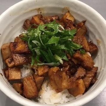 구이 챠슈 덮밥