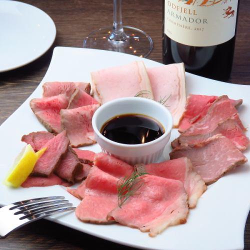◆ローストビーフの5種盛り@1820円◆素材と調理法にこだわった、自慢の肉料理~