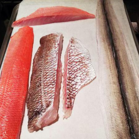 山口産鱧、三重産真鯛、千葉産金目鯛