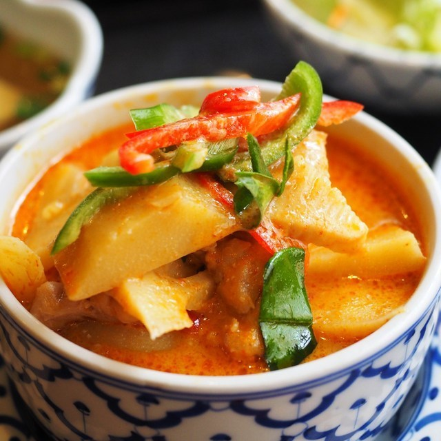 Red curry of shrimp and pumpkin