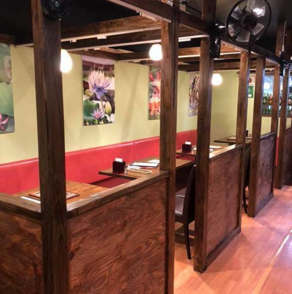 We use calm green for the interior and we use the walls separated by high dividers in the center seat in the shop so we can spare your time slowly without concern for other guests ◎ Ideal for various banquets such as party, drinking party, entertainment, girls' association, date, birthday party
