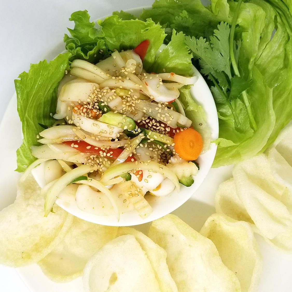 海鮮と春雨サラダ/辛酸っぱいイカサラダ