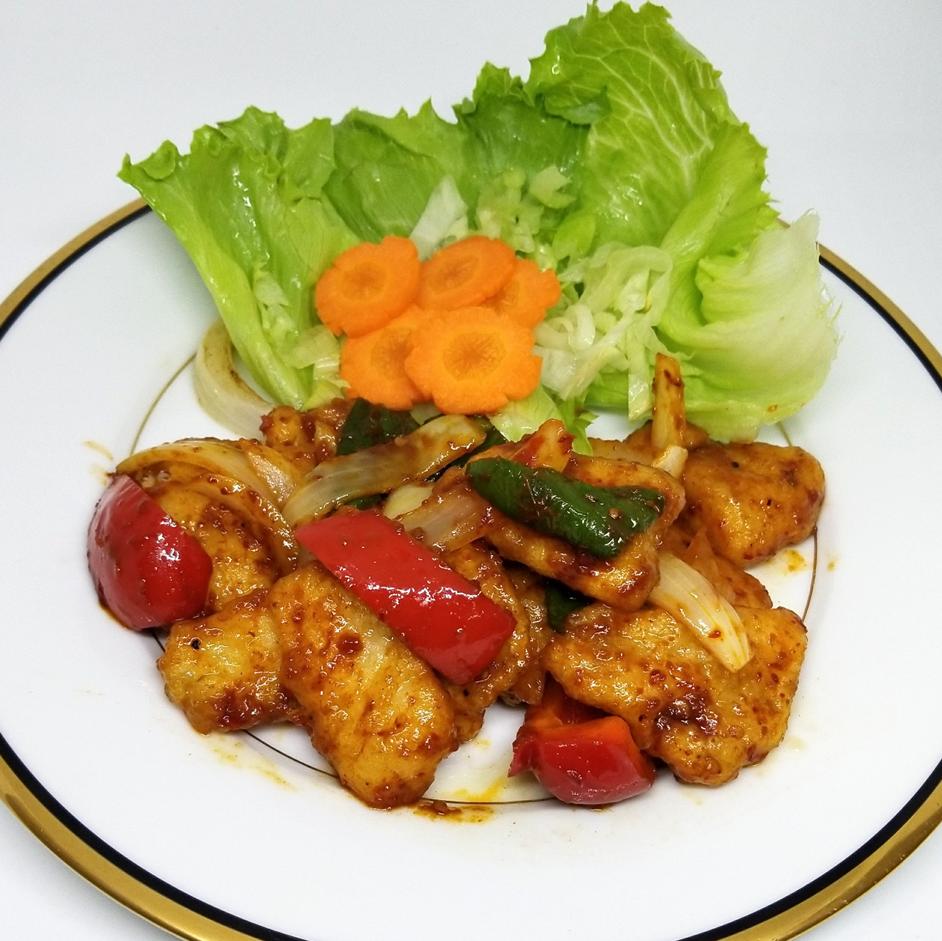Basara Sakana Nukumumo油炸/ Basara鱼香肠柠檬草炒/巴斯克鱼饱和油炸
