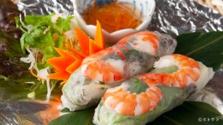 Shrimp and pork raw spring roll / Shrimp and sea urchin spring roll / Pakuchi's raw spring roll