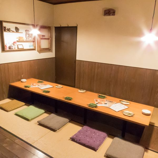 There are 2 tables for 3 to 6 people ♪ There are correspondence from drinking party friendship of friends to a small party party ◎ It is also noticeable inside the store where stylish accessories and Japanese sake are lined ☆