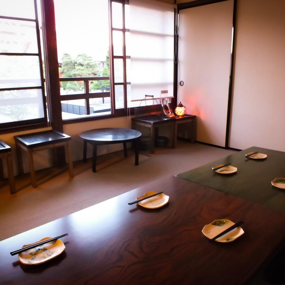 最多可容纳12位客人在二楼Osashiki是一个完美的私人房间,所以你只能享受私人空间◎不用担心◎作为私人房间♪