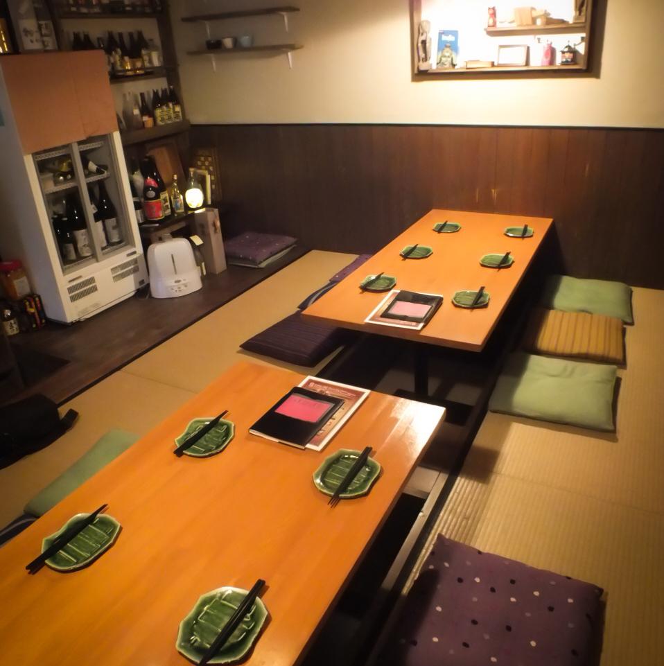 6人x 2桌。最多可容納12人的小型宴會◎這是一個受歡迎的護城河座位。
