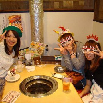 Girls too love meat ♪ girls' party held!