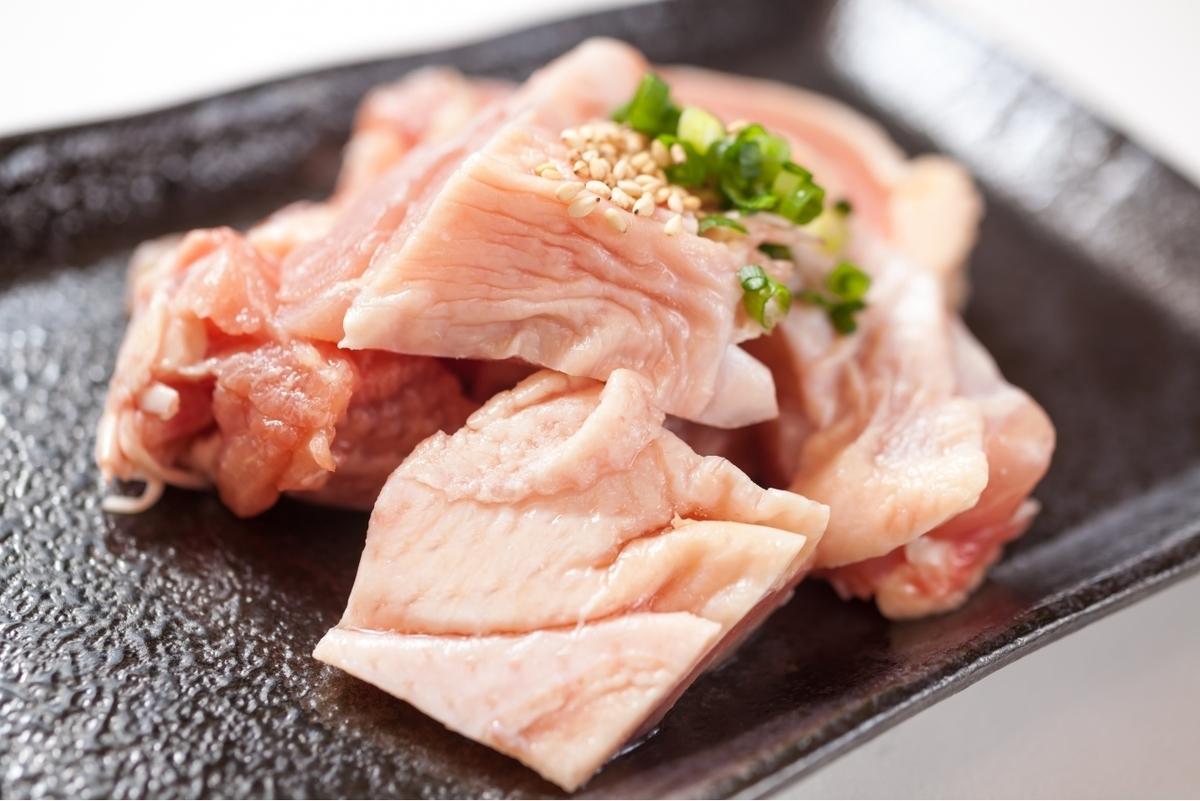 Young chicken thigh (salt or sauce)