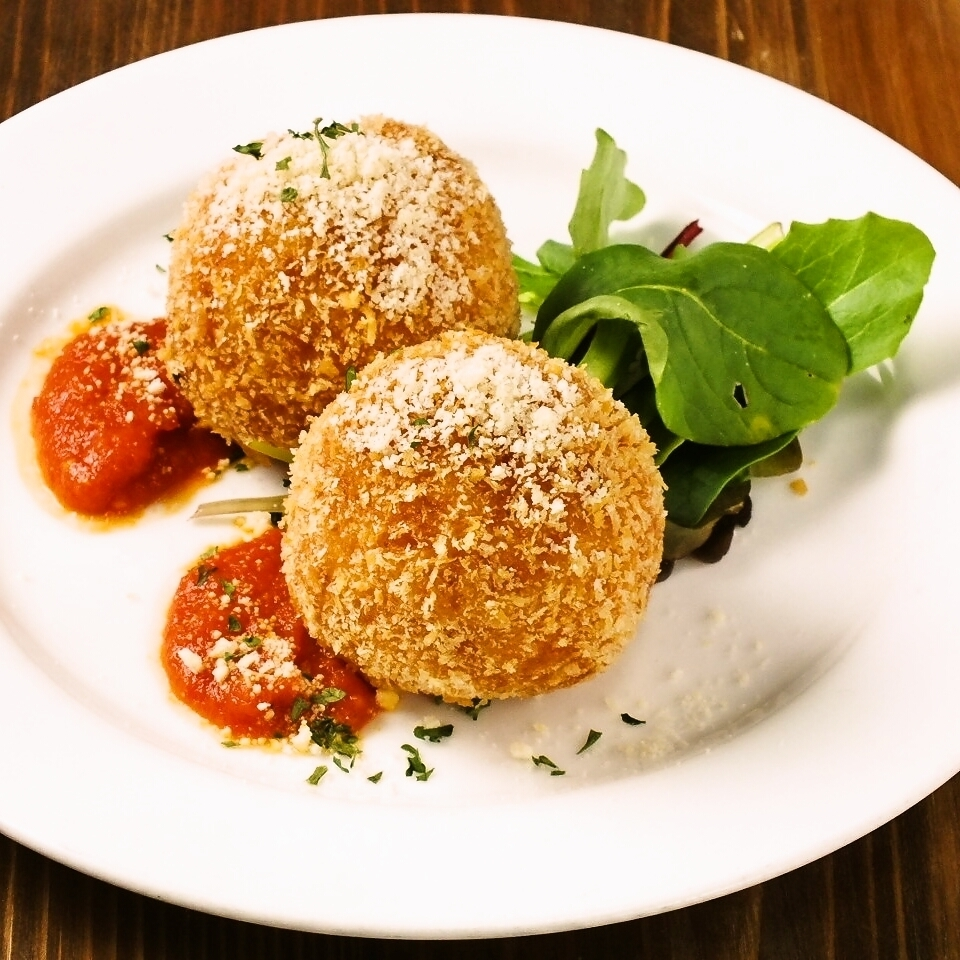 意大利烩饭炸肉饼干(Arancini)2件