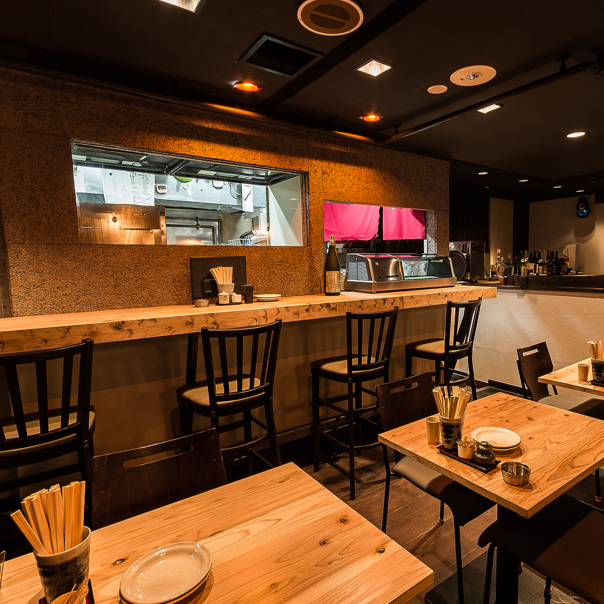 It is a pleasant space for unexpected meals and drinking party.Table seats can be tied according to the number of people! We also have a great year-end party plan !! Please feel free to contact us at 050-5348-5546 for inquiries!
