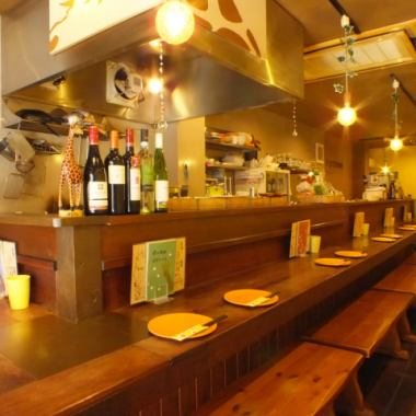 As the counter seat is for 2 people, it is also recommended for dating! Of course it is also a great welcome to visit us by yourself ♪ One cup on your way home from work, daily reward dinner for yourself, girls' association, dates etc You can use it in the scene.