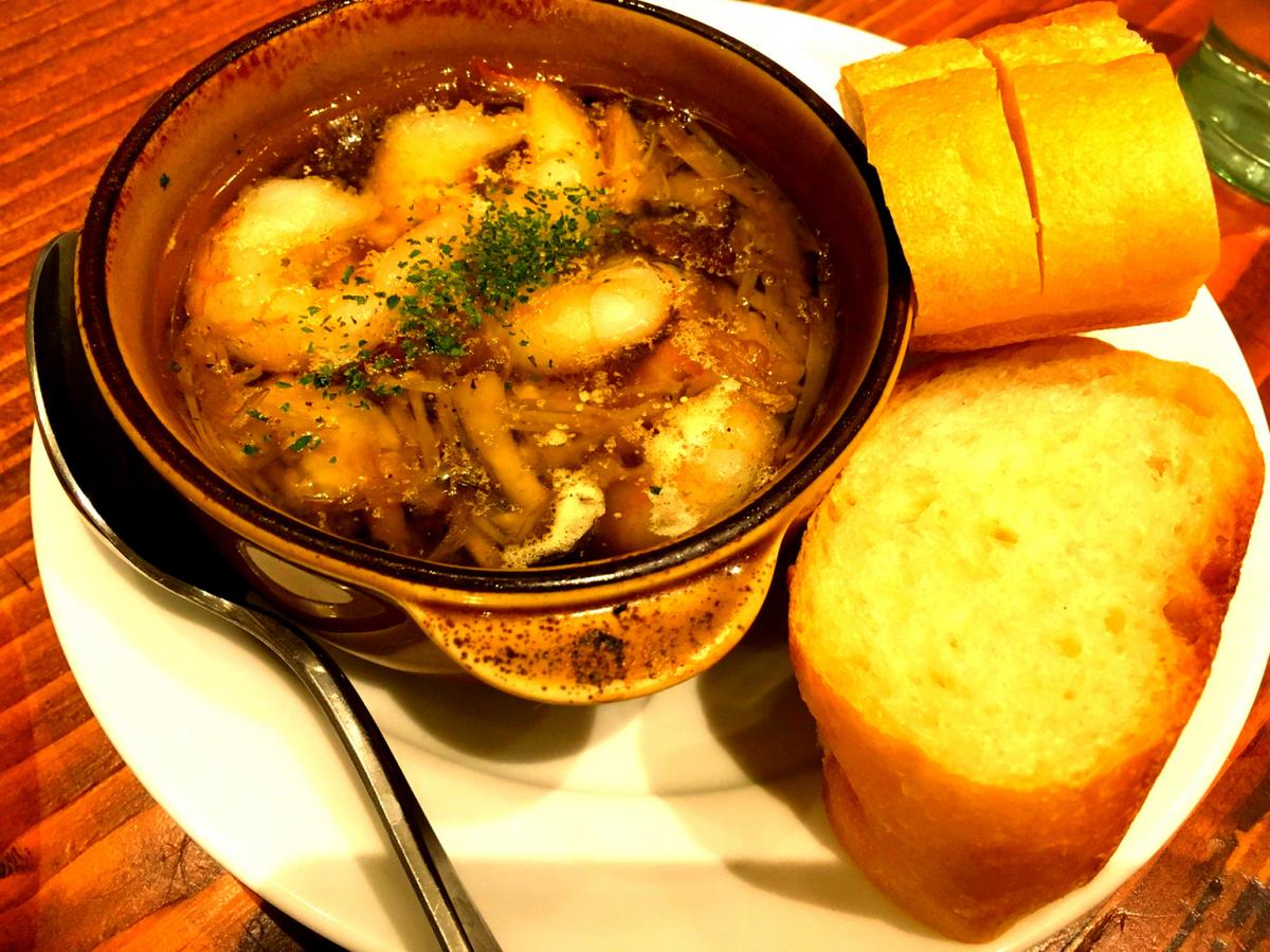 Ahijo of shrimp and mushrooms