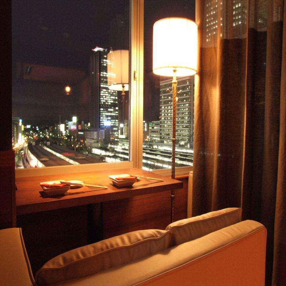 名古屋駅すぐ!!夜景を一望★おすすめはカップルソファー席♪