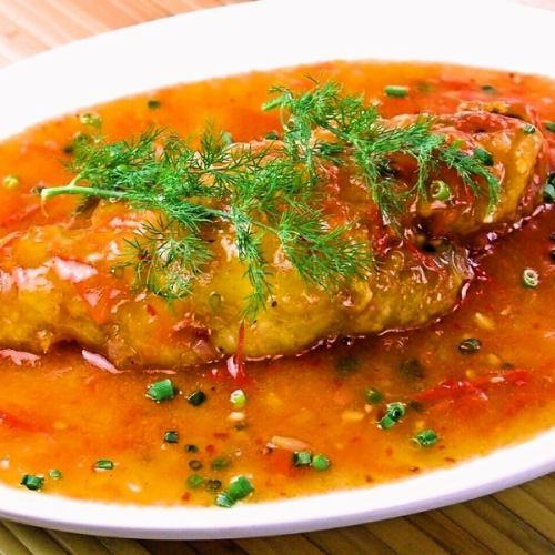 白身魚の香草トマト煮