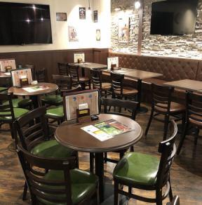 ◆2~12名様向けお席◆飲み会に最適★地下★片側いす席の片側ソファ席をご用意しております。深く腰掛けてゆっくりとお食事とお酒を味わいたいお客様におすすめのお席です。人数調整可能ですのでお気軽にお問い合わせ下さい。