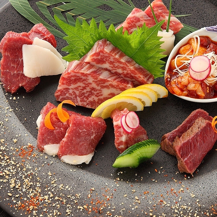 Direct delivery from Kumamoto! Fresh horse meat with excellent freshness !!