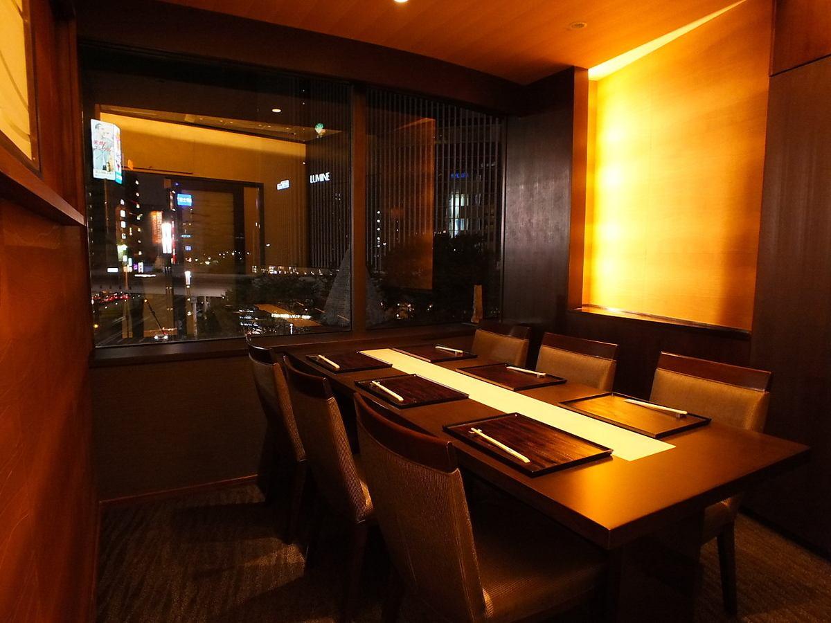 VIP包房。俯瞰银座夜景。