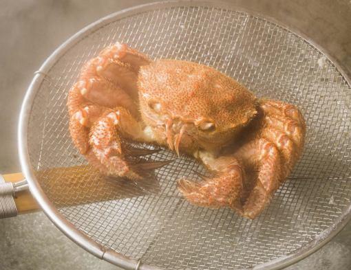 活化的毛蟹和蟹涮鍋套餐