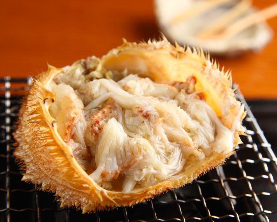 大闸蟹壳烤。