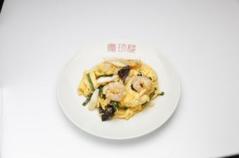 Stir-fried shrimp with egg