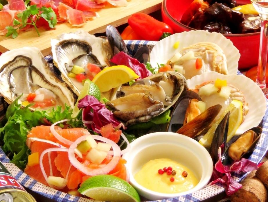 甚至午餐都可以吃!海鮮拼盤(5種海鮮)什錦2人〜1680日元(含稅)