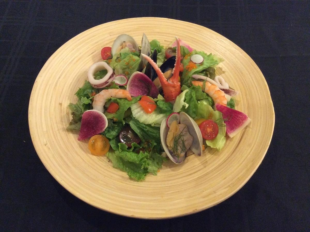 流行的海鮮沙拉