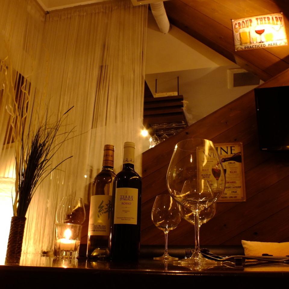 寬敞的桌椅也可以分開!還可以通過用窗簾隔斷在半房間輕鬆約會!