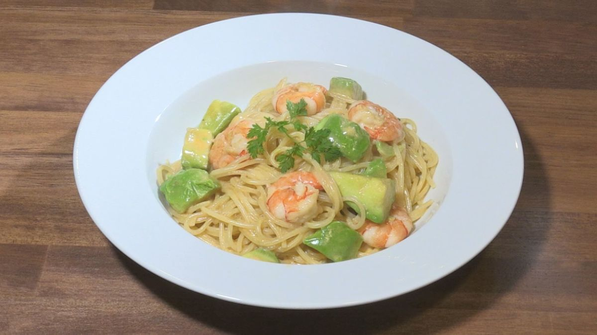 Shrimp and avocado Americain pasta