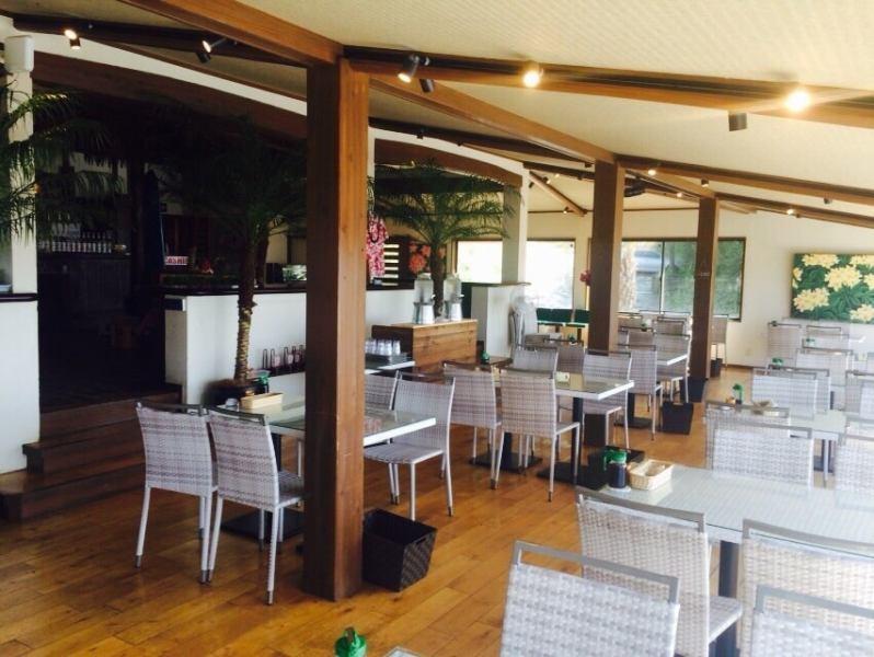 【HonaCafe糸島店】ハワイをイメージした非日常空間は、リゾートのような気分を満喫できちゃう!