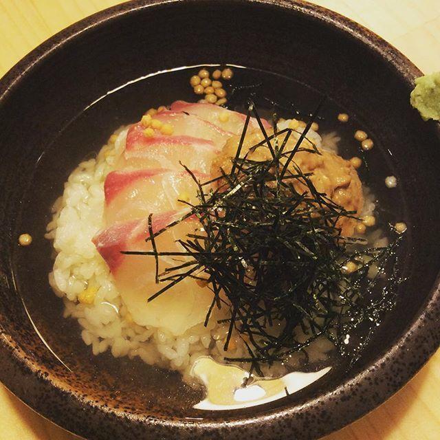 與芝麻籽的鯛魚海鯛