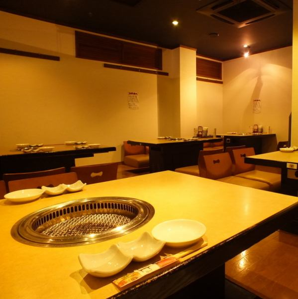 Tatami mats for up to 24 people ☆ Seating with a moat and plump cushion ♪ It is perfectly comfortable ★ Dating and girls' societies, family meals etc Small number of guests, as well as farewell reception party, alumni association · company banquet Even a large number of people can use it!