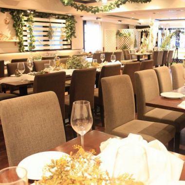 宽敞清洁的宽敞商店♪最多130位客人可以使用!生日·女孩协会·日期·Gokon以及午餐派对,婚礼第二方和欢迎派对等公司宴会而且应用是多种多样的!
