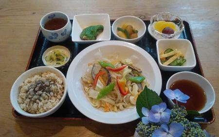 野菜と春雨の炒め物