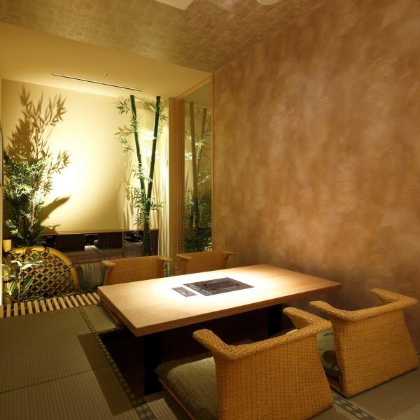 少数人的客户也将引导您在私人房间。请使用以及娱乐约会。