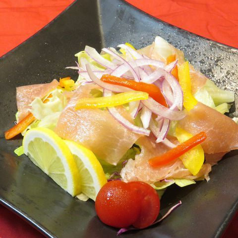 Raw ham bacon salad / seafood salad