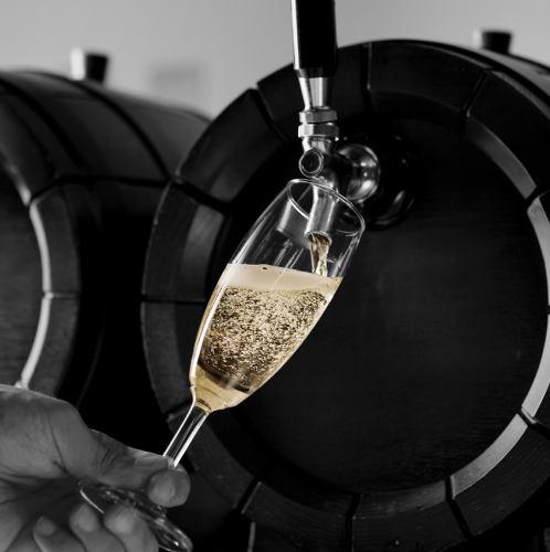 現地の味わいを樽生ワイン