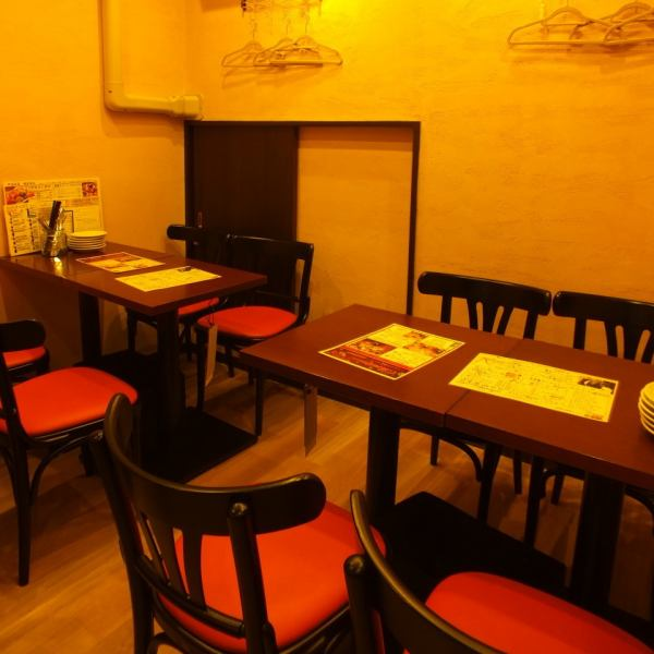 Seats for 8 people, half-size room We are in a shop where you can enjoy small party banquets.