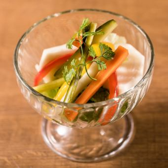 Homemade vegetable pickles
