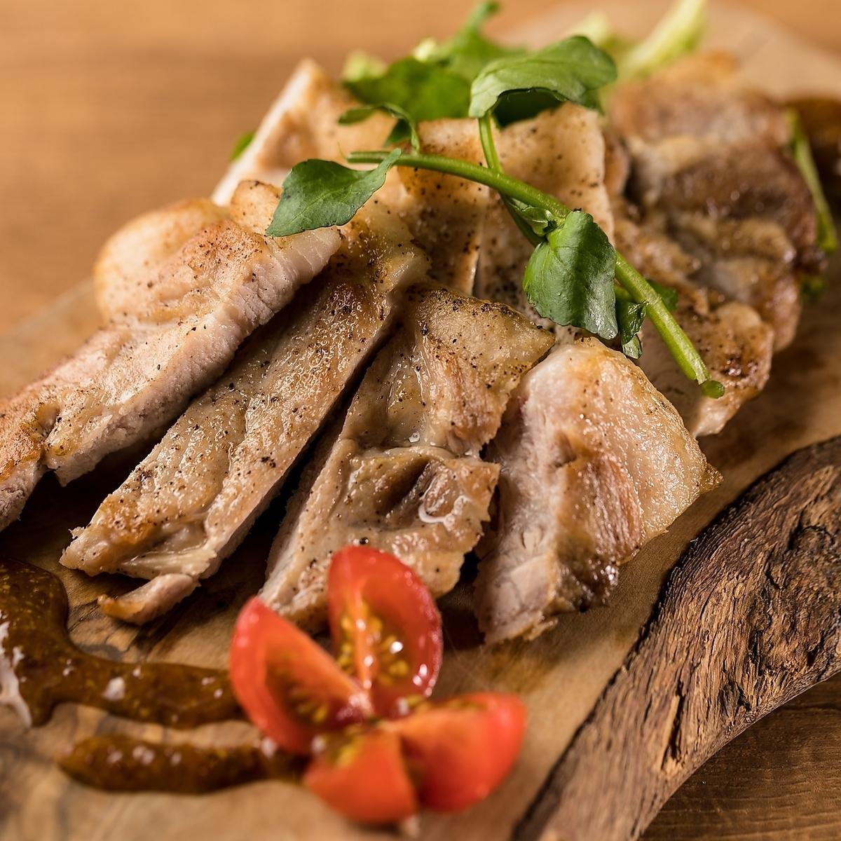 岩手県最高級銘柄 岩中豚のロースステーキ