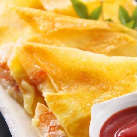 大虾和奶酪脆脆包裹在虾