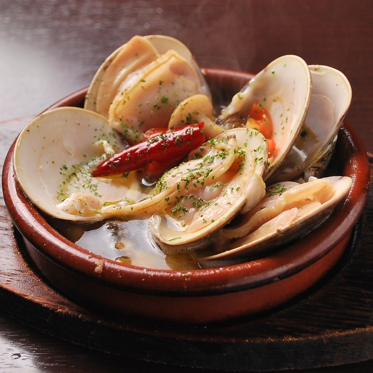 Extra large clam with apricot