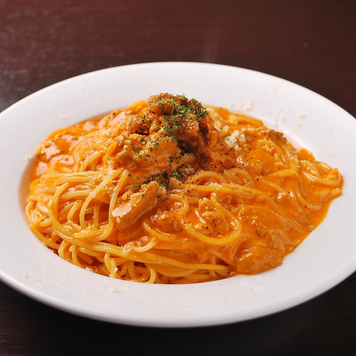 Fresh sea urchin tomato cream sauce pasta