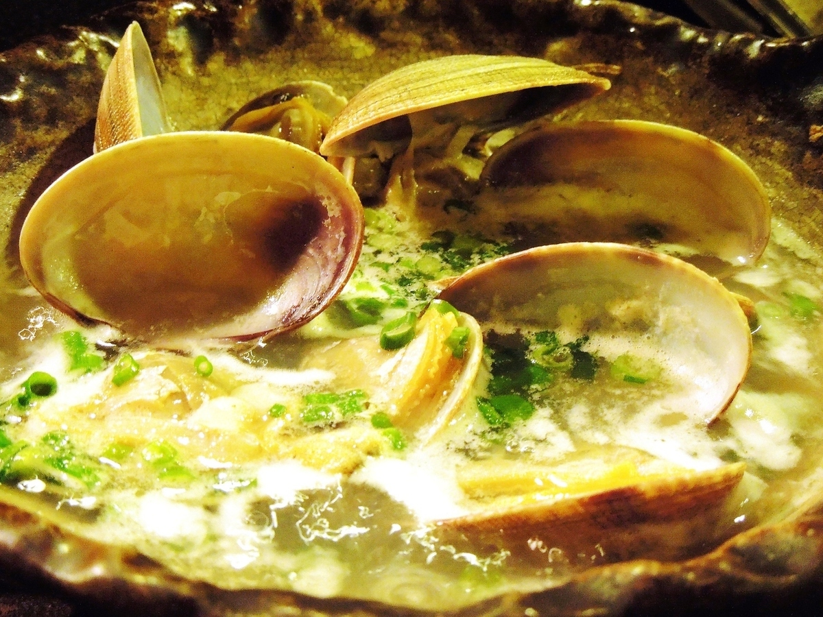 Steamed rice with clam clam