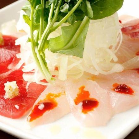 新鮮鮮魚的生牛肉片〜4種魚和4種醬〜