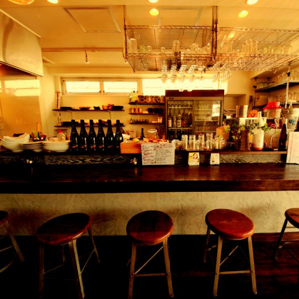 The vall space in front is a casual atmosphere that will casually attract.There is also a counter so you can enjoy it even if you are alone.It is a popular seat for pair customers and couples ♪