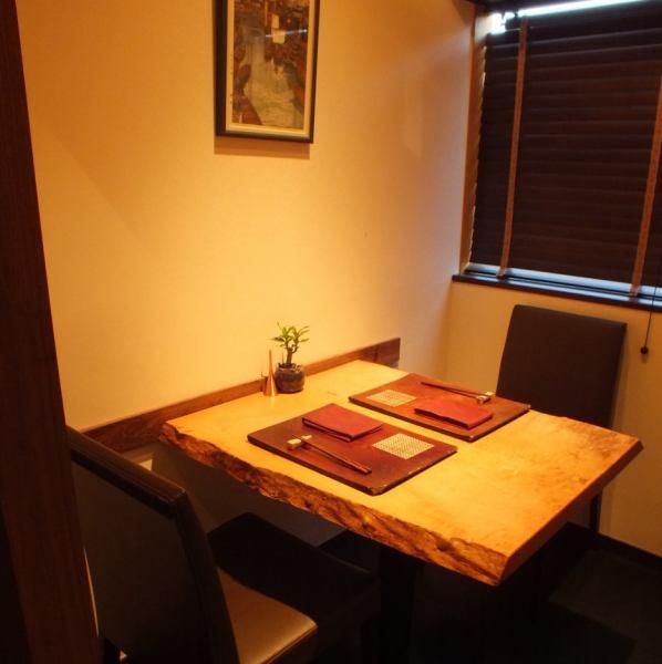 """宽敞的空间,大大小小的私人房间和桌子座位,以及一杯全身厨师。此外,您可以花费高质量的时间,只能通过""""注音""""品尝,并注意工作人员的每个角落。访问我们的客户感觉价格高于价格,并获得了性价比高的评级。"""
