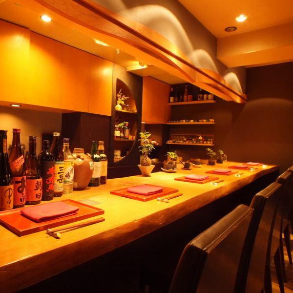 """在西麻布以合理的价格享用休闲合理的日本料理♪请随意在柜台座位上拜访一个人◎享受用精心挑选的时令食材和周到的清酒慢慢制作的创意美食。尤其是季节性精心准备的葡萄酒。""""Furugen""""是一家日本餐厅,您可以在这里品尝Nishiazabu的独特乐趣。"""