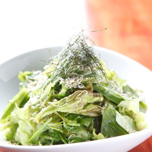 壱岐の恵み豆腐と海藻の和風サラダ